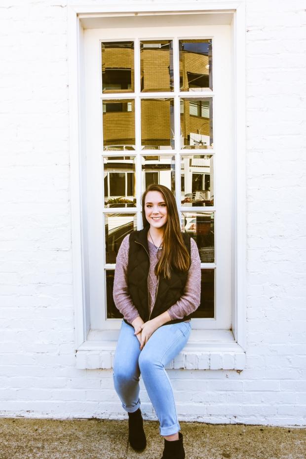 Lydia Yonce Senior -12S-6