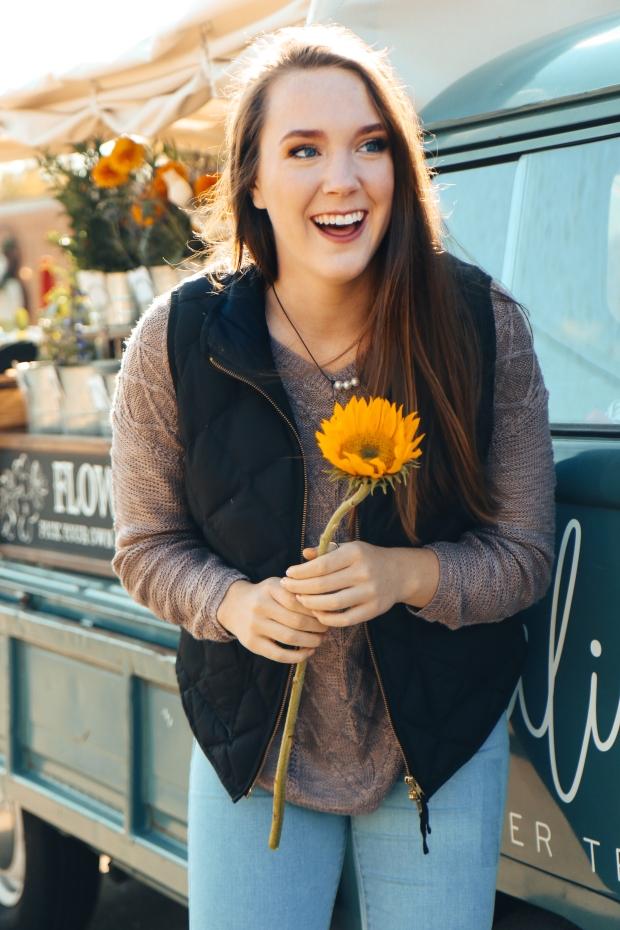 Lydia Yonce Senior - Flower Truck-4