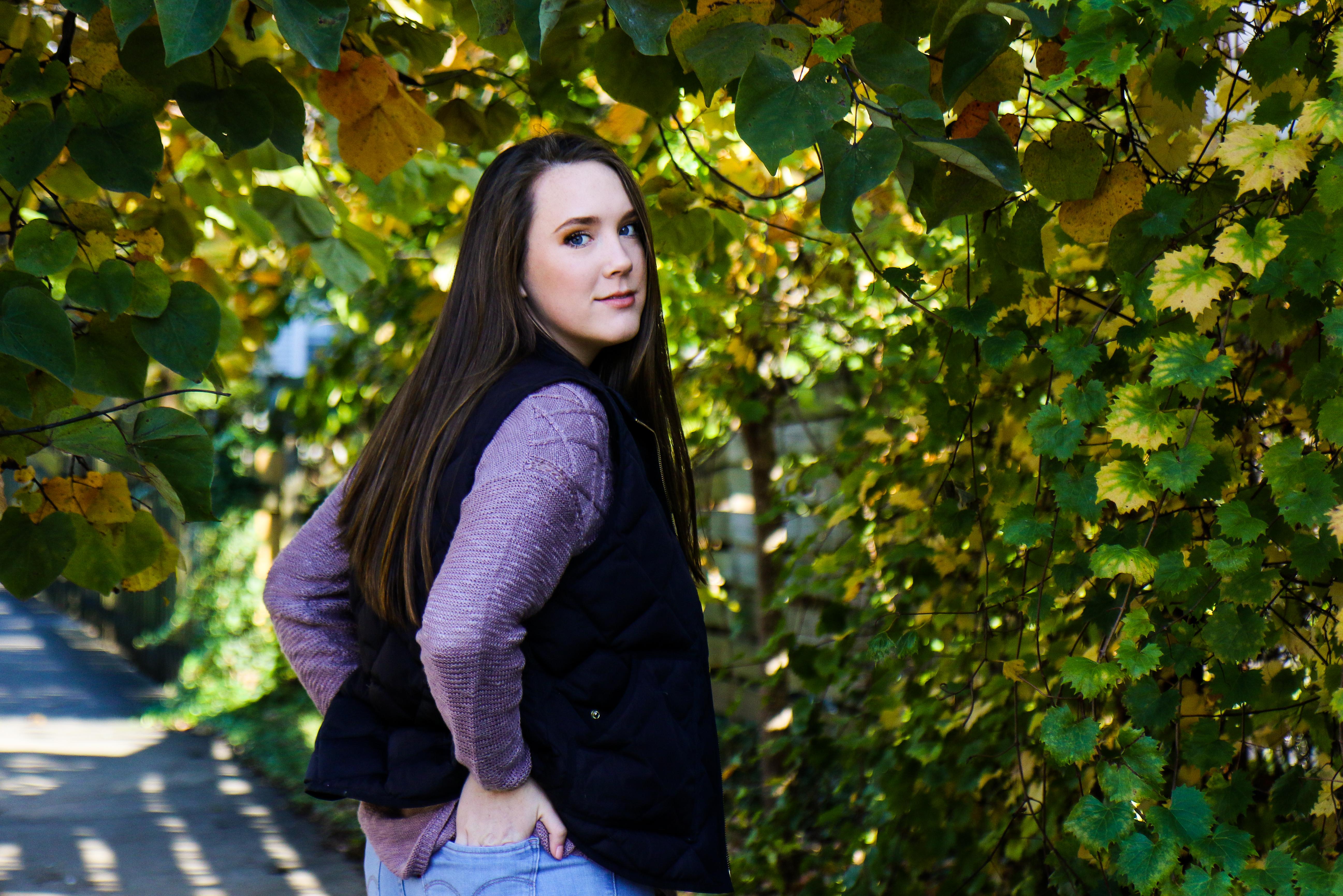 Lydia Yonce Senior Pics Tree-7
