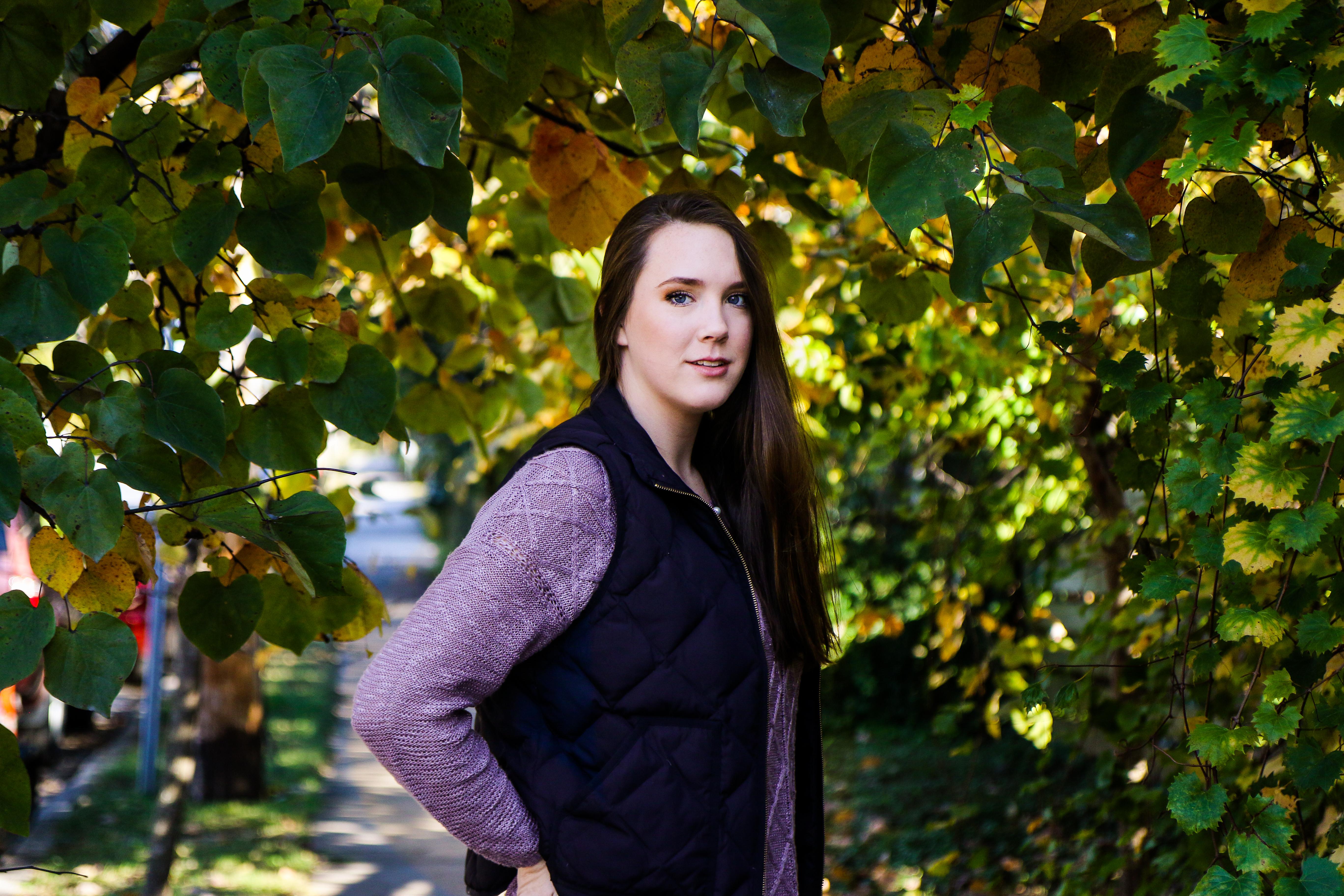 Lydia Yonce Senior Pics Tree-9